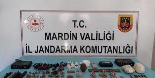 Mardin'de terör örgütü PKK'nın 14 sığınağı daha imha edildi