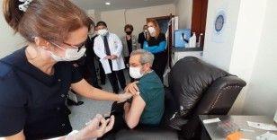 Sağlık çalışanlarına 2. doz aşı uygulaması başladı