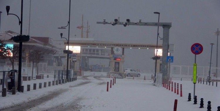 Çanakkale Boğazı 23 saat sonra gemi trafiğine açıldı