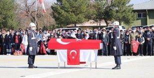 Teröristlerin katlettiği er Sungur, memleketi Siirt'te son yolculuğuna uğurlandı