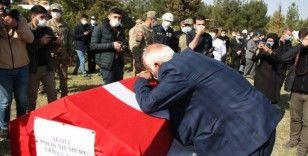"""Gara'da şehit edilen polis memurunun babası: """"Vatan, bayrak, ezan sağ olsun"""""""