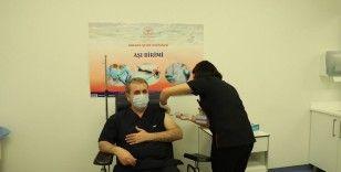 BBP Genel Başkanı Destici Covid-19 aşısı oldu
