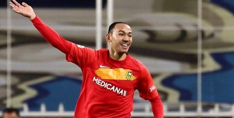 Umut Bulut, Süper Lig'de 503 maçla Oğuz Çetin'in rekorunu egale etti