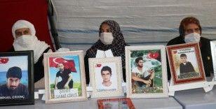 HDP önündeki aileler, PKK'nın hain saldırısına rağmen evlat nöbetini kararlılıkla sürdürüyor