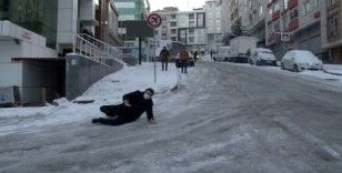 Vatandaşların buzla imtihanı kameralara böyle yansıdı