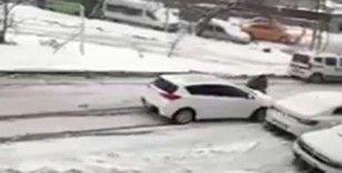 Esenyurt'ta kayan aracını durdurmak için direksiyondan indi önüne atladı