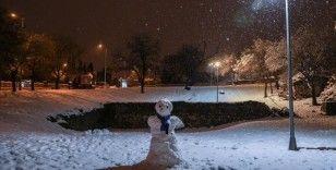 İstanbul'da kar yağışı aralıklı olarak sürüyor