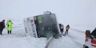 Fatsa Belediyespor kafilesini taşıyan otobüs Kırıkkale'de kaza yaptı