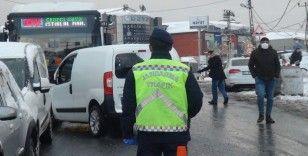 Jandarma toplu taşıma araçlarında kış lastiği denetimi yaptı