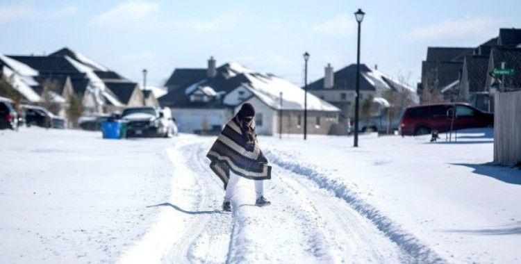 ABD'deki dondurucu soğuklarda milyonlarca kişi elektriksiz kaldı, en az 21 kişi öldü
