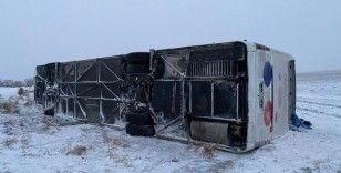 Aksaray'da yolcu otobüsü devrildi: 23 yaralı