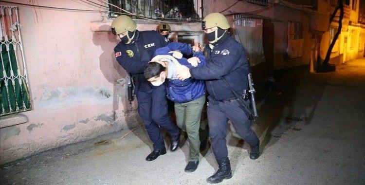 Adana'da terör örgütü DEAŞ soruşturması kapsamında 8 kişi gözaltına alındı