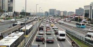 Kısıtlamaya saatler kala İstanbul'da trafik yoğunluğu arttı