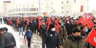 PKK'nın Gara'da 13 Türk vatandaşını şehit etmesine tepki amacıyla Van'da yürüyüş düzenlendi