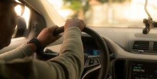 İngiliz Yüksek Mahkemesi Uber'in sürücülerini çalışan olarak göstermesi gerektiğine karar verdi