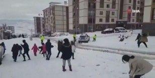 Şırnak'ta çocuklar ile polisin kartopu savaşı