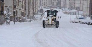 Şırnak'ta kar ve tipi nedeniyle 11 köy ile ulaşım sağlanamıyor