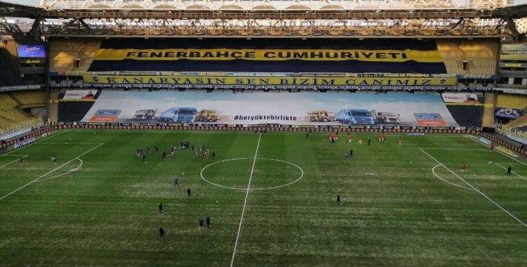 Fenerbahçe'de zemin onarılıyor