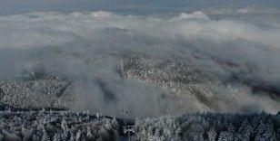 Uludağ'da sislerin ve bulutların arasında büyüleyici kar manzaraları