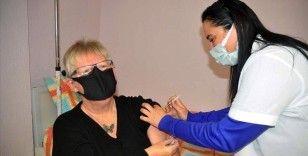 Muğla'da yaşayan yerleşik yabancılar Kovid-19 aşısının ilk dozunu oldu