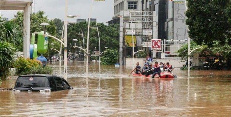 Endonezya'da 28 bin kişi selden etkilendi