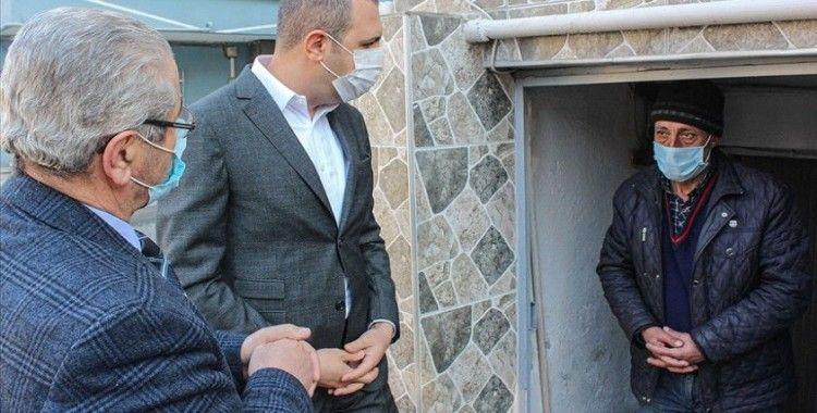 Küçükçekmece Kaymakamı Bedirhanoğlu'ndan 'martıların abisi'ne yardım sözü