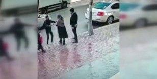 Kasiyer, kaçmaya çalışan hırsızları böyle kovaladı