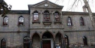 Milli mücadeledeki çocuk kahramanların 'Taş Mektep'i 470 bin ziyaretçi ağırladı