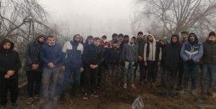 Yunanistan tarafından geri itilen düzensiz göçmenlere Mehmetçik yardım eli uzattı