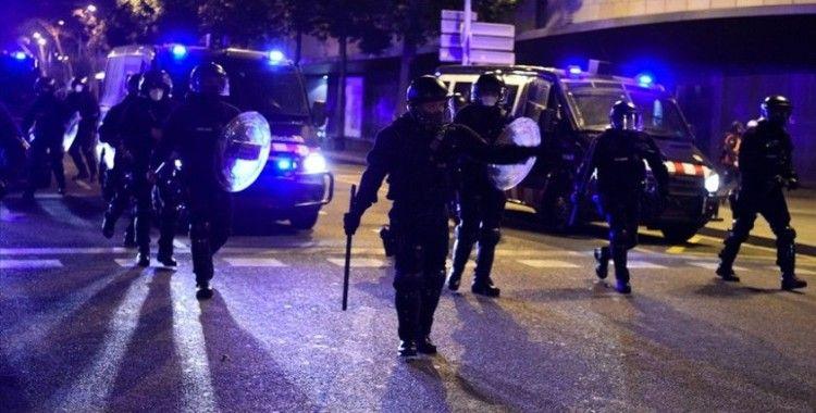 İspanya'da tutuklanan rapçi Hasel'e destek için sürdürülen gösterilere polis müdahale etti