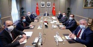 Cumhurbaşkanı Yardımcısı Oktay, KKTC Ekonomik Örgütler Platformu üyeleriyle bir araya geldi