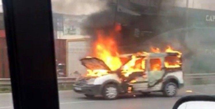 Beylikdüzü'nde trafikte yangın dehşeti