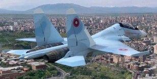 Ermenistan'da Su-30 savaş uçağı Erivan semalarında