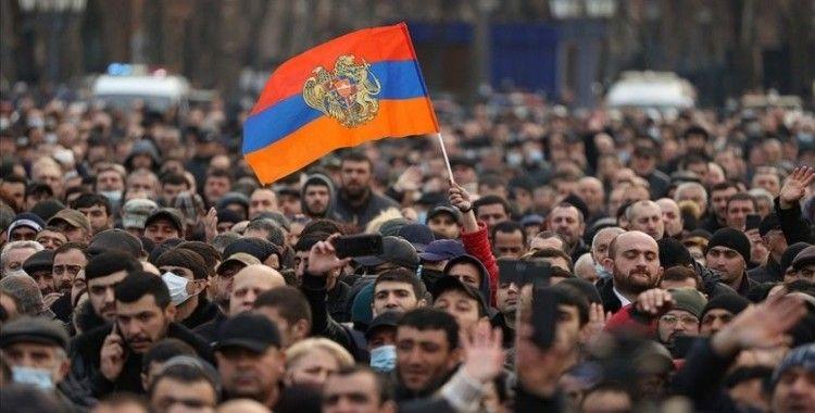 İran, Ermenistan'da taraflara itidal ve şiddetten uzak durmaları çağrısı yaptı