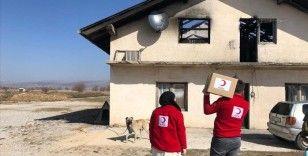 Türk Kızılay, Bosna Hersek'te ihtiyaç sahiplerine gıda paketi dağıttı