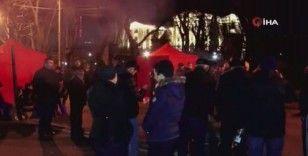 Ermenistan'da protestocular sabaha kadar Başbakan Paşinyan'ın istifasını bekledi