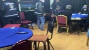 İstanbul'da kısıtlamada açık olan kıraathaneye baskın kamerada