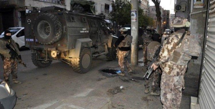 Diyarbakır terör operasyonu, çok sayıda kişi gözaltına alındı