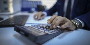 Vergi daireleri ve kamu idarelerinde görevli personel bugün 23.59'a kadar sokağa çıkma kısıtlamasından muaf