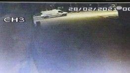 Talihsiz moto kurye kamyonetin altında 650 metre sürüklenmiş