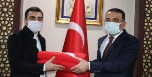 Çanakkale Şehitliğine götürülecek şanlı Türk bayrağı Siirt'ten yola çıktı