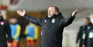 Beşiktaş Teknik Direktörü Yalçın: Yolumuza emin adımlarla gittiğimizi bir kez daha gösterdik