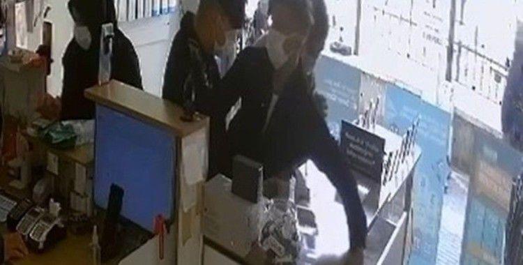 Bursa'da cep telefonu hırsızları kamerada