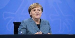 Merkel, Covid-19 kısıtlamalarını Paskalya tatiline kadar uzatmayı planlıyor
