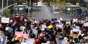 Myanmar'daki gösterilerde ölü sayısı 13'e yükseldi