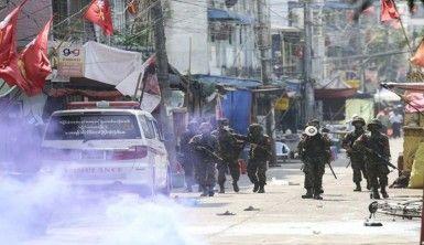 Myanmar'da polis, protestoculara ateş açtı