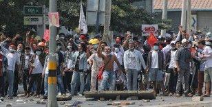 AP: Myanmar'da güvenlik güçlerinin göstericilere müdahalesinde ölenlerin sayısı 33'e yükseldi