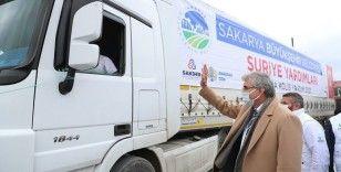 İdlib'e gitmek için hazırlanan 11 tır yardım malzemesi Sakarya'dan yola çıktı