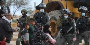 İsrail belediyesi Kudüs'te Filistinlilere ait iki evi yıktı