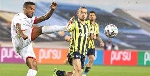 Selahattin Baki'den Antalyaspor maçında VAR incelemesinin 9 saniyede yapılmasına tepki